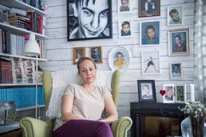 Efter Alexanders död flyttade Jessica Wallström till sin sommarstuga i Furuvik, som hon rustade och inredde precis som hon och Alexander hade pratat om.