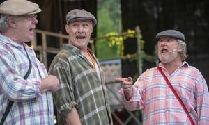 Mårten Mårtensson, Micael Staflin, Sören Ivemyr sjunger om Bultströmmen. Foto: Svante Remshagen