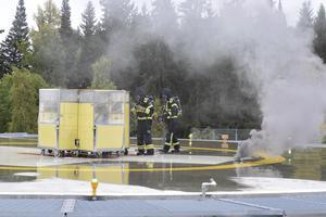 Räddningstjänsten kom snabbt sedan lasarettets egna brandbekämpare slagit på haverilarmet. I