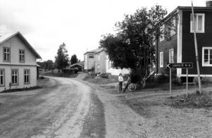 En vanlig dag i Laxsjö 1981.
