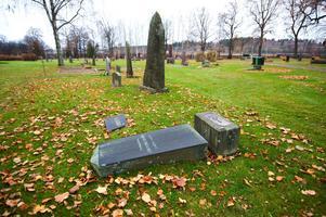 Svenska kyrkan uppmuntrar sina församlingar att erbjuda gamla stenar.