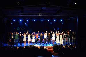 När showen var slut rungade applåderna.