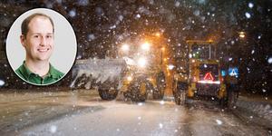 Meteorolog Ian Engblom säger att det kan komma upp emot 25 centimeter snö vilket kan ställa till det på vägarna längs kusten i länet.
