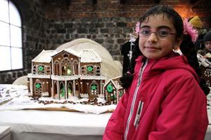 Nada Awad, Avesta, besökte tomtemarknaden för första gången.