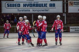 Om träningscupen Victor cup räknas in, är Västanfors obesegrade i nio raka matcher. Endast en förlust har det blivit under säsongen, mot serietvåan Snoddas i den andra omgången med 3-4.