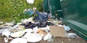 Så här ser det ut vid en av återvinningsstationerna.