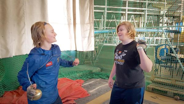 I en individuell sport som slägga är det extra viktigt att bygga upp gemenskap runt träning och tävlingar. Alfons Haals och Leo Bystedt har tränat ihop i flera år, blivit goda vänner och har stor nytta av varandra.Foto: Anna Widerberg