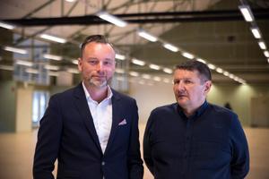 Mattias Olofsson och Jan Näslund är båda nöjda över att Arbetsförmedlingen ska flytta in i Koppardalen.