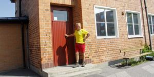 Thomas Andersson är en av de som protesterar mot planerna på att riva Karlaskolans gamla gymnastiksal. Han har nu dragit igång en namninsamling.