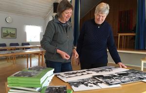 Karin Wennermark och Birgitta har jobbat intensivt med boken under det senaste året för att få den klar till första advent - en perfekt julklapp till byn.