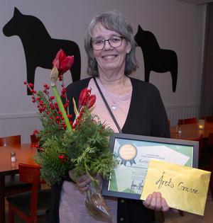 Karin vid prisutdelningen under onsdagskvällen. Foto: Simon Berglund, Tunabyggen