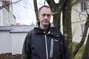 """""""Värdet på den skog som angrips av granbarkborrar kan i värsta fall minska med upp till 75 procent"""", säger skogskonsulent Niklas Åberg."""