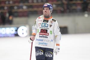 Daniel Mossberg lämnade Göransson Arena frustrerad och besviken efter SAIK-segern med 6–3.