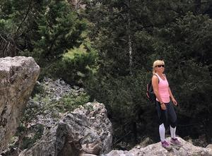 Träning, promenader och joggingturer i skog och mark är ett av Carina Lampinens stora intressen. Bild: Privat