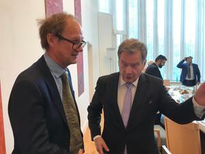 Finnarna i Sverige kan vara en faktor bakom att relationerna mellan Sverige och FInland är  bättre än någonsin, säger Finlands president Sauli Niinistö till NA:s Lars Ströman.