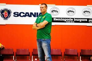 SVBK-tränaren Arno van Solkema såg sitt lag förlora mot Tierp på torsdagskvällen.