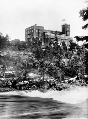 Hotell Utsigten, foto taget troligen 1894. Bild: Innovatum bildarkiv