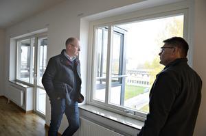 Per Eriksson tillsammans med Roger Lundin vd för Solatum i Sollefteå som kom på besök.
