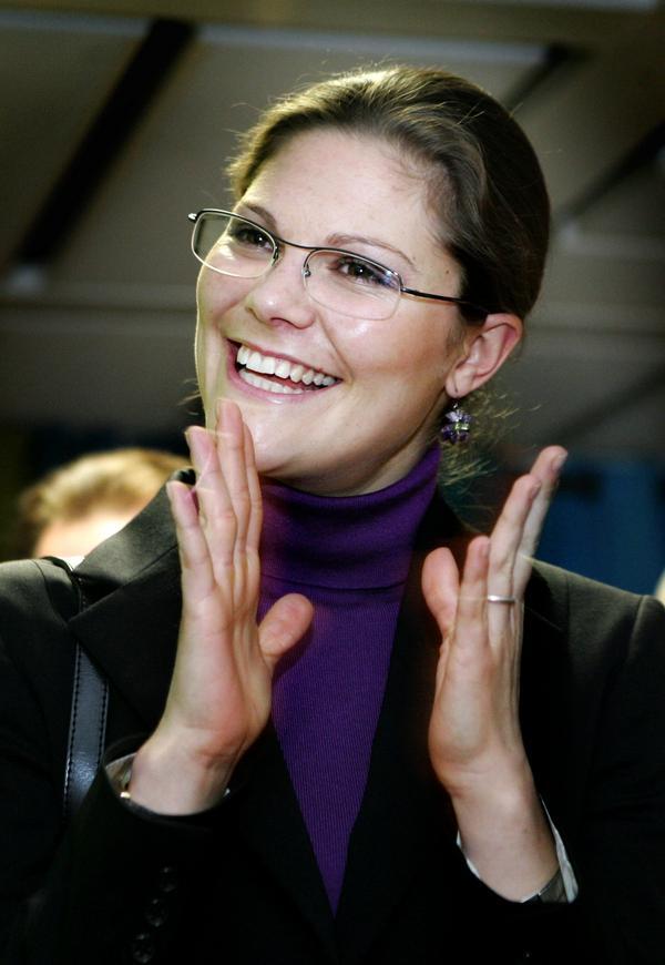 Kronprinsessan Victoria har anledning att vara glad. Hon kommer att få mumsa på vetebullar från Ullånger under onsdagens vandring i Skuleskogen.