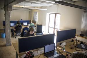 2016 fick Datakompisen ett investeringsstöd från region Gävleborg som skulle gå till ett 50-tal nya arbetstillfällen. Rekryteringen var inte problemet, utan uppdragen som inte kom som man hade hoppats på.