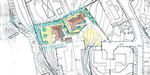 Intill kanalen som syns till vänster i bild vill fastighetsägaren stycka av en tomt i Bergvik för att möjliggöra två nya hus, utöver den befintliga fastighet som ses i bildens nederkant. Foto: Södertälje kommun