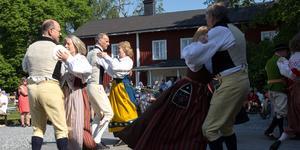 Folkdansgillet var en grupperna som underhöll besökarna.