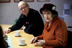 Mikael Fröberg och Angelika Björnfot Norlin insjuknade båda i ledgångsreumatism, när de var i 40-årsåldern.
