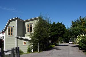 Gamla hus med personlig charm finns det gått om på Södermalm.