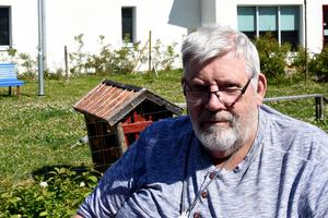 Sören Hallgren tycker att det trevligt att titta på djuren och tycker att de höjer trivseln på boendet.