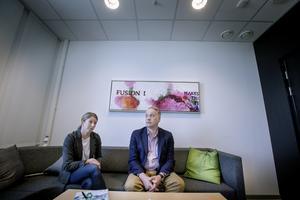Åsa Hiding är förundersökningsledare och Mikael Nyqvist spaningsledare för mordet på Lena Wesström. Nu har det gått ett år och fallet är fortfarande inte löst. - Det kan vara lite frustration då och då, säger Mikael Nyqvist.