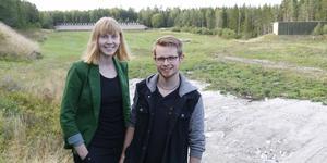 Agnes Svedberg är projektledare för skytte-SM i Sala och Filip Andersson är tävlingsledare.