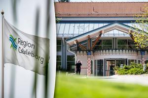Sjukhusvården ska krympa – men sjukhusen vara kvar, enligt regionledningen i Gävleborg.