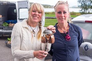 Ericka Enckell och Pernilla Eriksson är båda initiativtagare till rekoringen i Härjedalen. Varje gång ska de ringa i klockan när det är dags.