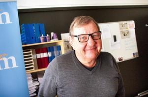 Kommunrevisorn Kjell-Olof Hofsberger (M) ville inte att hans misstankar om mutbrott skulle hamna i tidningen. Han valde att agera som privatperson för att påverka moderata ledamöter i museistyrelsen.