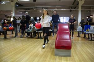 Meja Stake, 12, gillar att spela bowling.