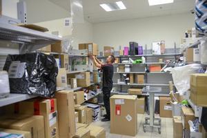 Ökad e-handel ger mycket arbete för postombud.Foto: Jon Willén/TT