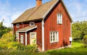 Foto: Bjurfors. Den som vill ha ett torp har mycket att välja på. Det här ligger i Ålsta utanför Hallsberg.
