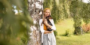 Josefin Sandström vill berätta sin historia för att tydliggöra hur djupt man kan såras av mobbning.