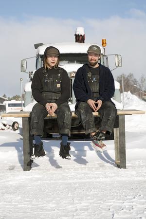 Kristoffer Unga Pirak och Johan Lahti lämnade sin vardag på resande fot för att bygga en ny grund i Åre.