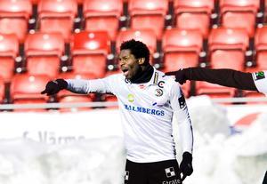På torsdagen inleder Samuel Wowoah och ÖSK träningsturneringen i Finalnd med match mot HJK.