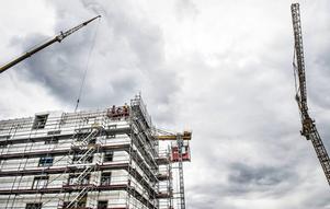 250000 nya bostäder är ett rimligt mål, skriver SSU.