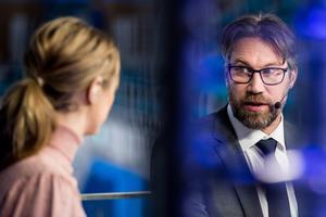 Peter Forsberg i OS-studion tillsammans med Karin Frick. Foto: Petter Arvidson / BILDBYRÅN.