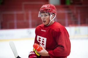 Fabian Alm Westling, 19, är en av tre juniorer som fått chansen att träna med A-laget under veckan.