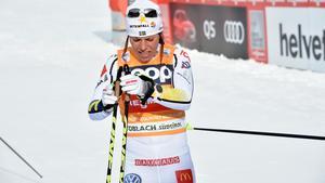 Charlotte Kalla hade det tufft under söndagens tävling i Piteå. Bild: Nisse Schmidt/TT.