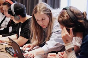 Lär dig den digitala musikvärlden. Foto: Louise Helmfrid