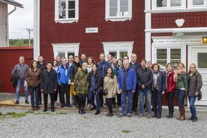 Totalt är det omkring 30 personer som turnerar runt om i Europa på studiebesök.