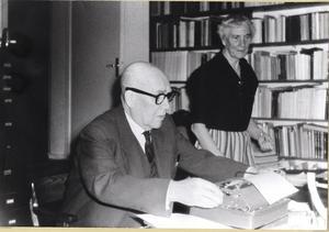 Ett långt kapitel ägnas också Karl Hedlund, hembygdsprofil och viktig rektor för Västerbergs folkhögskola under första halvan av förra seklet.