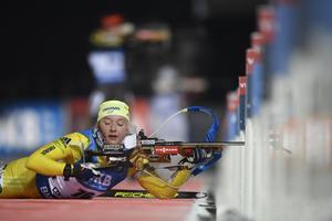 Sveriges Linn Persson under damernas sprint vid världscuptävlingarna i skidskytte i Östersund. Bild: Pontus Lundahl/TT Nyhetsbyrån.