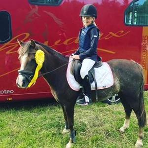 Foto: PrivatVilma Westman är en av tjejerna från Mora som kommer att rida för Leif Hall.