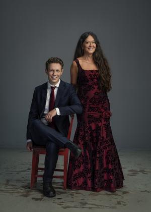 Andreas Landegren och Anna-Lotta Larsson kommer till Valbo kyrka.